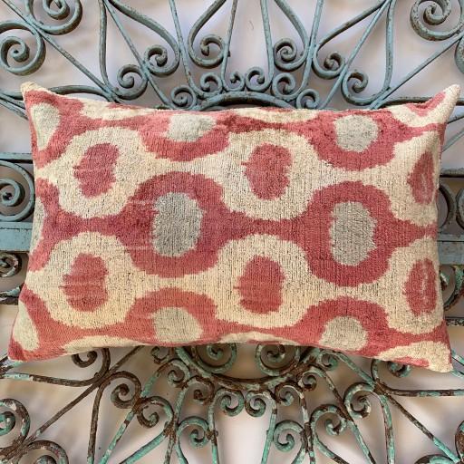 Velvet Cushion-Vec019