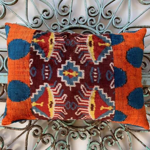 Velvet Cushion-Vec023