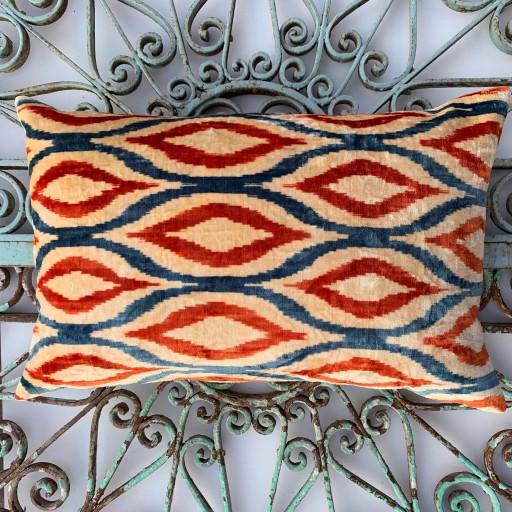 Velvet Cushion-Vec025