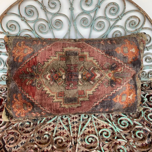Vintage Carpet Cushion-Crp005