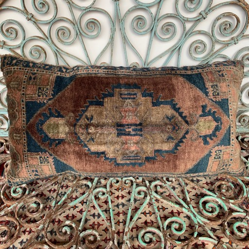 Vintage Carpet Cushion-Crp026