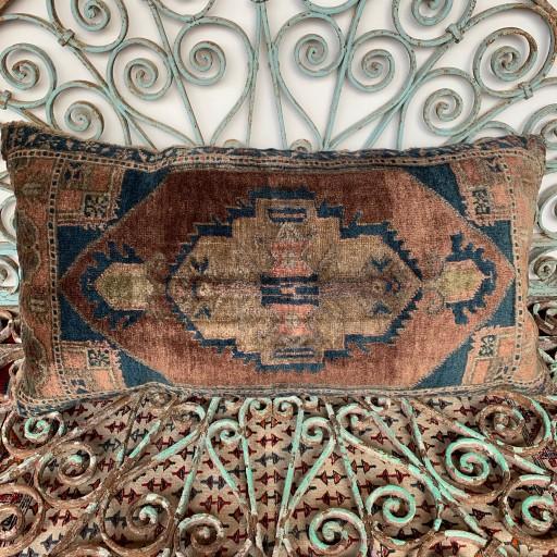 Vintage Carpet Cushion-Crp026