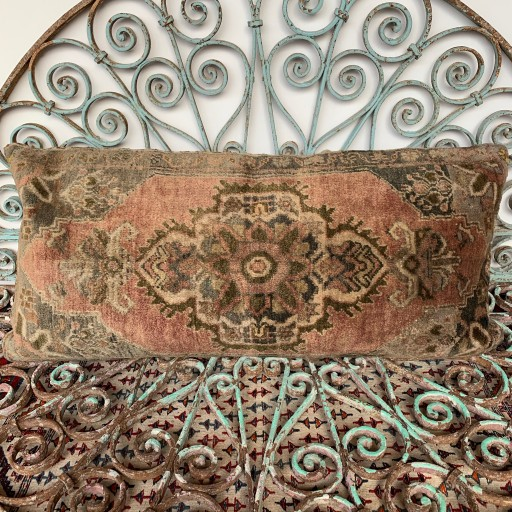 Vintage Carpet Cushion-Crp028