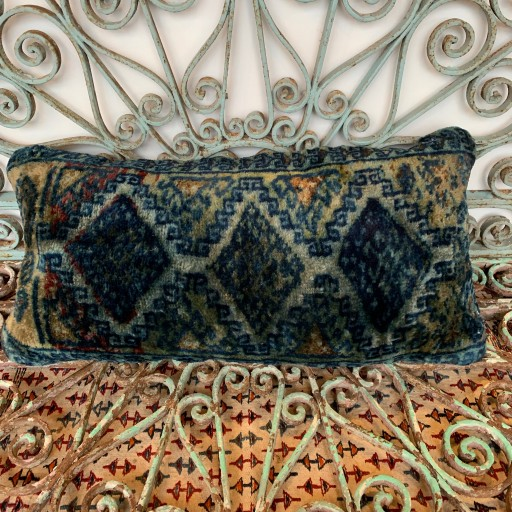 Vintage Carpet Cushion-Crp030